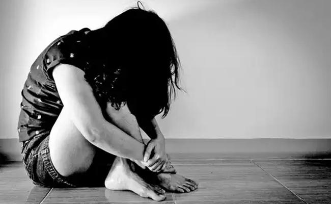 MP: Grandfather Uncle Molested 6 Year Old Girl In Front Of Her Brother - Sakshi