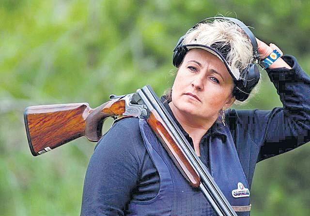 Hungarian Olympic Champion Diana Igaly Dies Of Corona - Sakshi