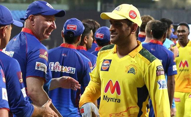IPL 2021: MS Dhoni Fined Rs 12 Lakh For Slow Over Rate - Sakshi