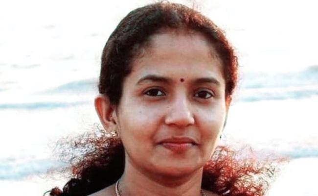 Bank manager Found Hanging inside Office in Kerala - Sakshi