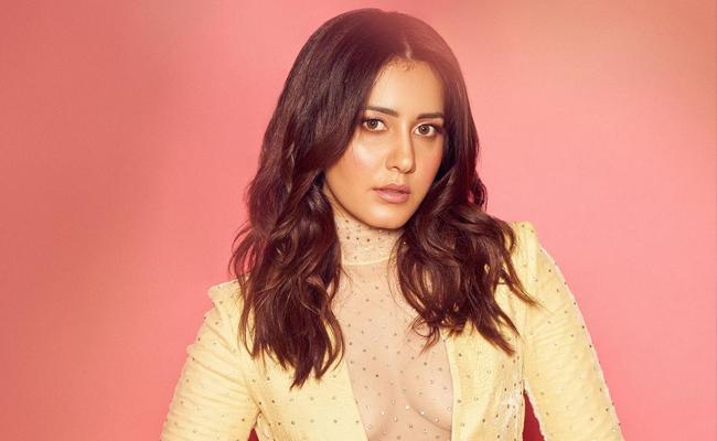 Raashi Khanna cast opposite Shahid Kapoor in a web series - Sakshi
