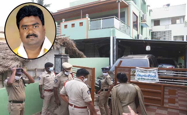 TDP Leader Kuna Ravikumar Escape Again - Sakshi