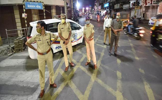 Maharashtra CM Uddhav Thackeray Hints At lockdown - Sakshi