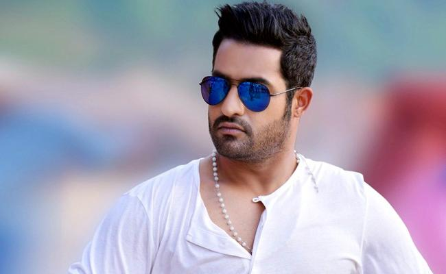 SS Rajamouli Made Jr NTR Shoot For An Underwater Sequence - Sakshi