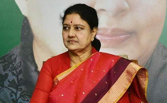 AIADMK Request To City Civil Court To Reject The Sasikala Petition - Sakshi