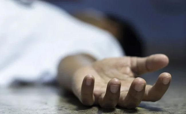 Rowdy Sheeter Assassinated In Karnataka Over Old Dispute - Sakshi