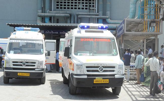 Gujarat BJP organises key medicines for Covid Positive patients - Sakshi