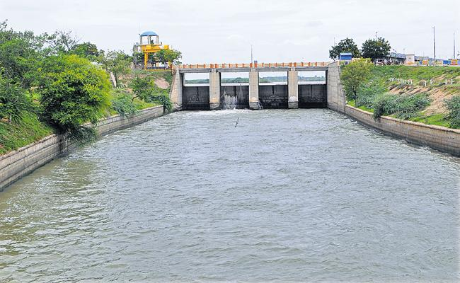 Karnataka administrations exposed during Tungabhadra board inspections - Sakshi