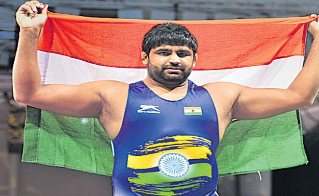 Indian Wrestlers Bronze Not Enough For Olympic Quota - Sakshi