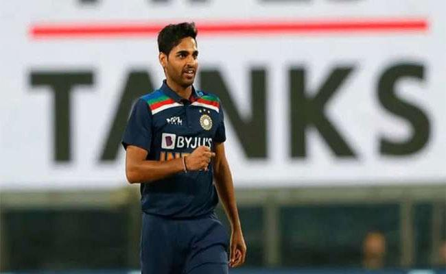 Bhuvneshwar Kumar And Lizelle Lee Voted ICC Players For The Month Of March 2021 - Sakshi