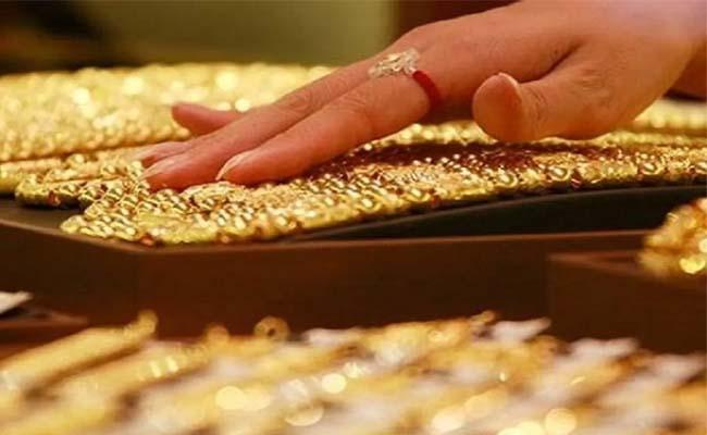 Crisil says Gold price fall not much of a worry for NBFCs - Sakshi