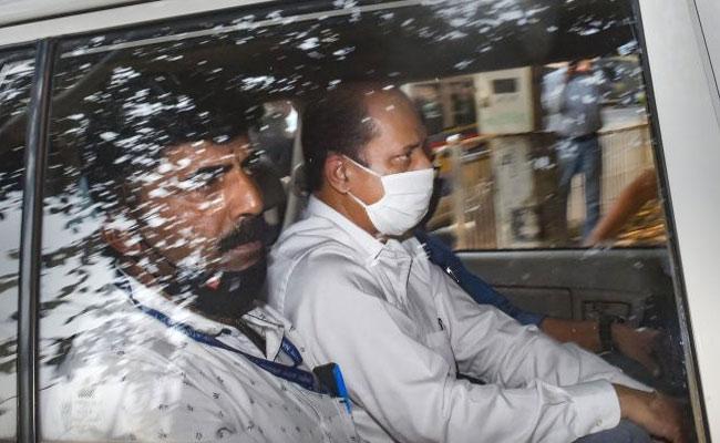NIA probing fake encounter angle in Mukesh Ambani bomb threat case - Sakshi