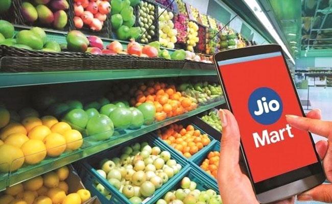 JioMart inches closer to market leader BigBasket user base - Sakshi