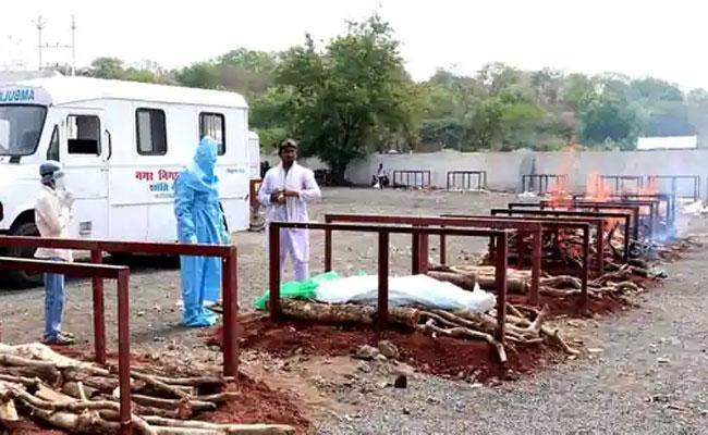Madhya Pradesh Hiding Covid Deaths - Sakshi