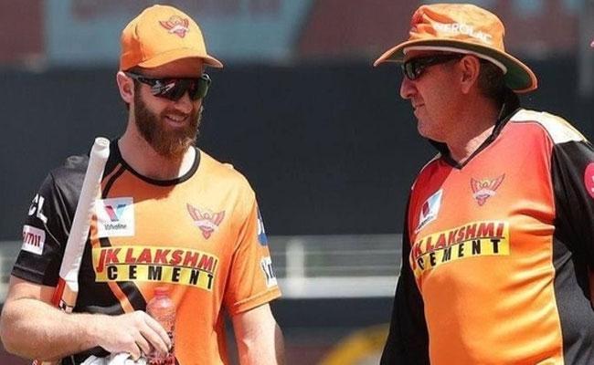 IPL 2021: SRH Coach Trevor Bayliss Gives Clarity On Kane Williamson Recovery - Sakshi