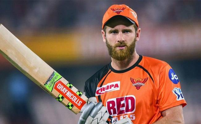 IPL 2021 Sanjay Manjrekar Says SRH Needs This Player In Playing 11 - Sakshi
