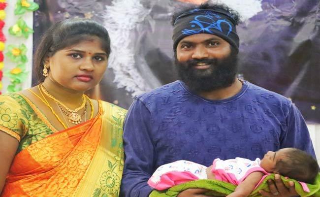 Man Deceased In Road Accident On Wedding Day - Sakshi