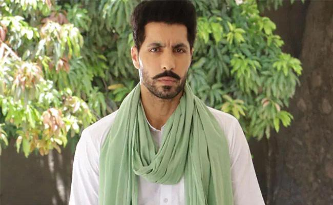 Actor Deep Sidhu Gets Bail And Arrested Again - Sakshi