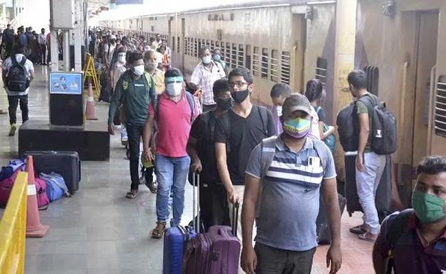 Railways to fine Rs 500 for not wearing face masks in rail premises - Sakshi