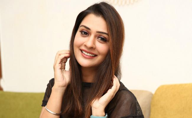 Payal Rajput Counter On Netizen Who Ask Her Phone Number - Sakshi
