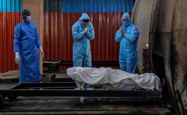 Global Coronavirus Death Toll Crosses 30 Lakhs - Sakshi