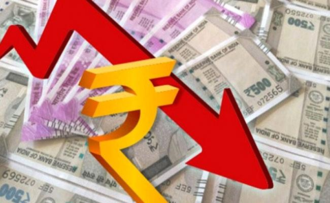 Rupee falls 52 paise to 74.87 against US dollar in early trade - Sakshi