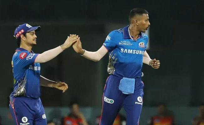 IPL 2021: We Should See Hardik Pandya Bowl Over The Next Few Weeks Says Mahela Jayawardene  - Sakshi