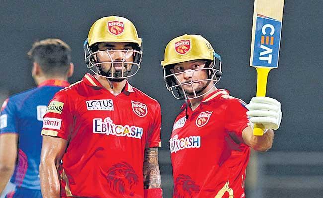 Punjab Kings sets the target of 196 against Delhi Capitals - Sakshi