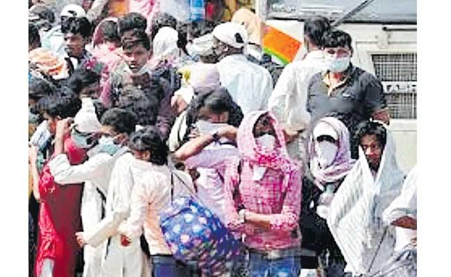 Migrants Journey Problems Travels Taking More Money Mumbai To Telangana - Sakshi