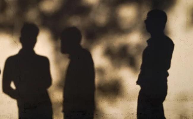 Uttar Pradesh: Dalit Youth Held Captive By Four People And Tortured - Sakshi