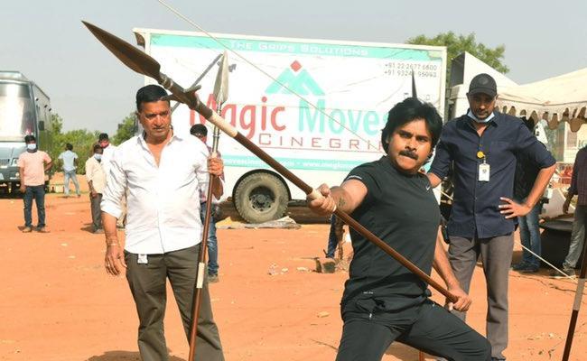 HariHara Veeramallu: Pawan Kalyan Rehearsal Photos Released - Sakshi