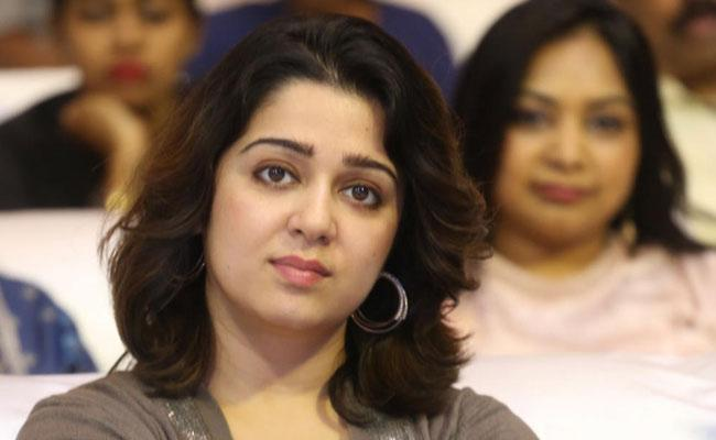 Charmme Kaur Emotional Comments On Covid 19 In India - Sakshi