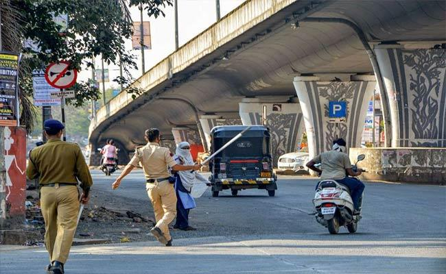 Maharashtra To Go Under A Complete Lockdown Soon: Minister - Sakshi