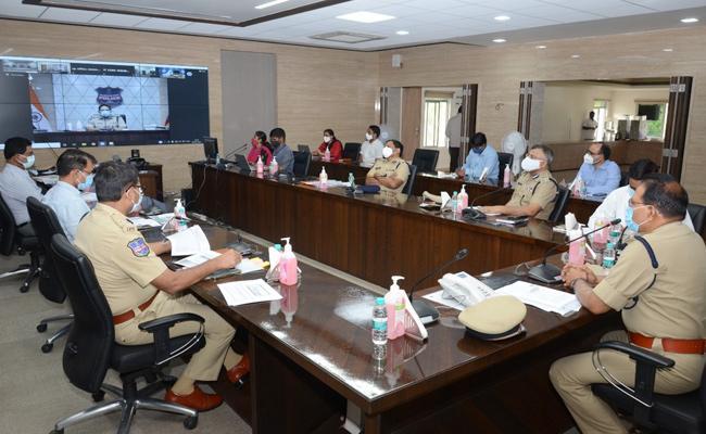 Telangana DGP Conducts Video Conference On Night Curfew - Sakshi