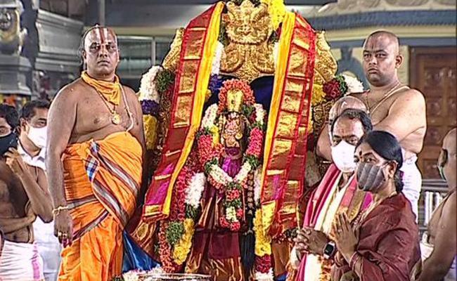 Indra Karan Reddy Attend Seetharamula Kalyanam At Bhadrachalam - Sakshi
