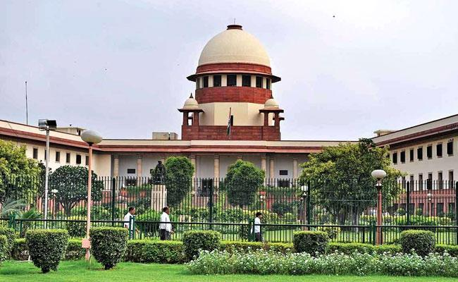 Supreme Court Serious On Centre Over Corona Control Measures - Sakshi