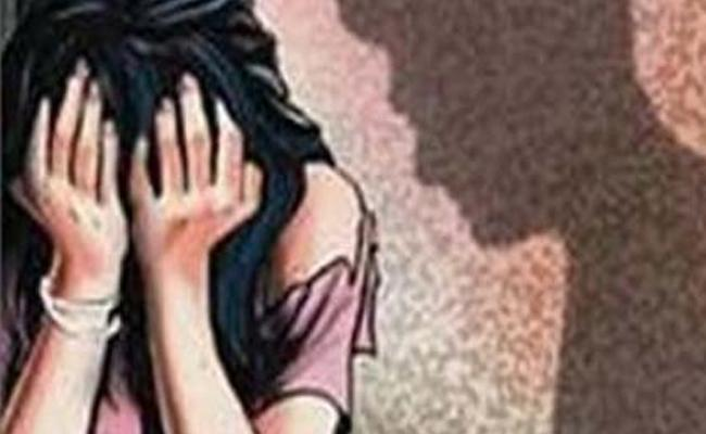 Auto Driver Assault Attempt On Student In Chittoor District - Sakshi