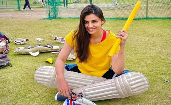 IPL 2021: CSK Pacemans Sister Supports MS Dhonis Side - Sakshi