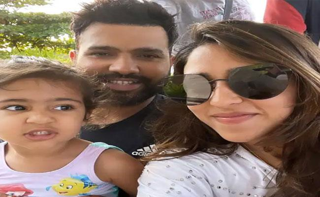 IPL 2021: Rohit Sharmas Wife Ritika Sajdeh Shares Selfie With Her Two Babies - Sakshi