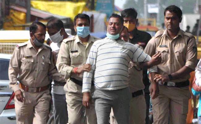 Vikas Dubey Encounter Case Police Get Judicial Panel Clean Chit - Sakshi