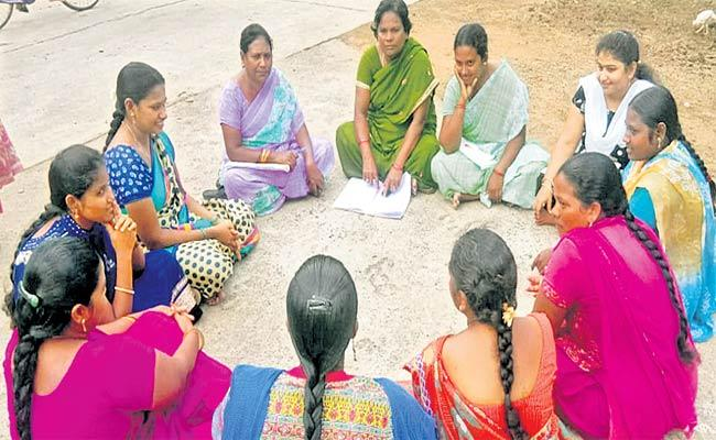 CM Jagan Will Launch Zero Interest Loan For Womens SHGs - Sakshi