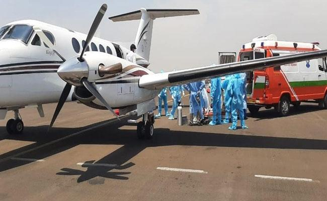 Sonu Sood : Covid-positive woman Airlifted from Nagpur to Hyderabad - Sakshi
