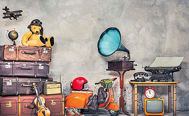 Daily Using Old Objects In Home Cover Story In Telugu - Sakshi