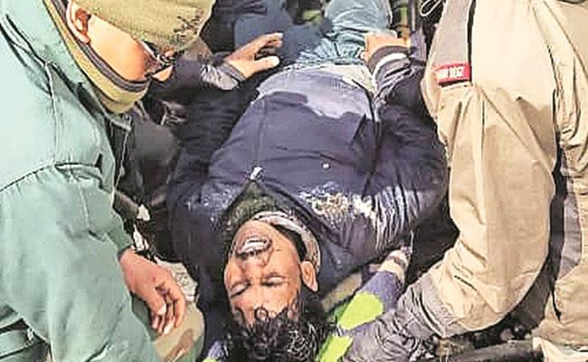 Uttarakhand: 10 die in glacier break in Chamoli, 400 rescued - Sakshi
