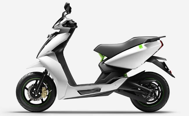 Electric Two Wheelers Roaming In City Roads - Sakshi