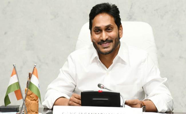 Marathis Thanks To AP CM YS Jagan Over 300 Ventilators Sending - Sakshi