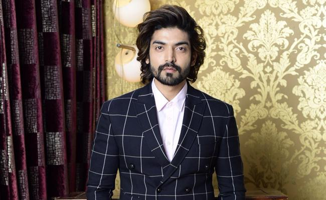 Actor Gurmeet Choudhary To Open A 1000 Bed Hospital For Covid Patients - Sakshi