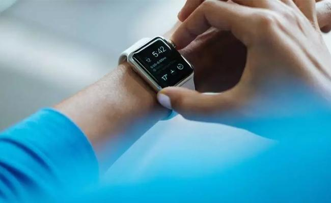 How To Measure Blood Oxygen Saturation SpO2 Level Using Smartwatches - Sakshi