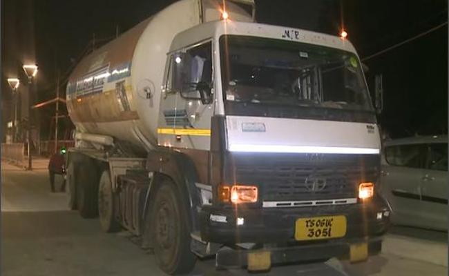 Oxygen Tankers Reached From Odisha To Telangana - Sakshi