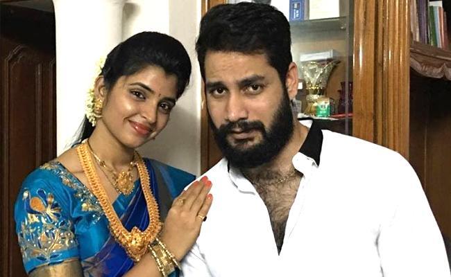 Anchor Shyamala Husband Narasimha Reddy Arrested In Cheating Case - Sakshi